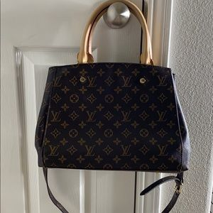 Louis Vuitton- Montaigne MM